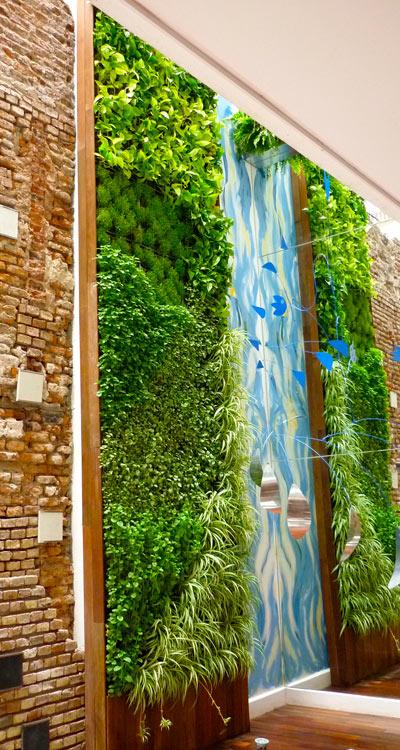 Jardines verticales decoremos con kiki for Edificios con jardines verticales