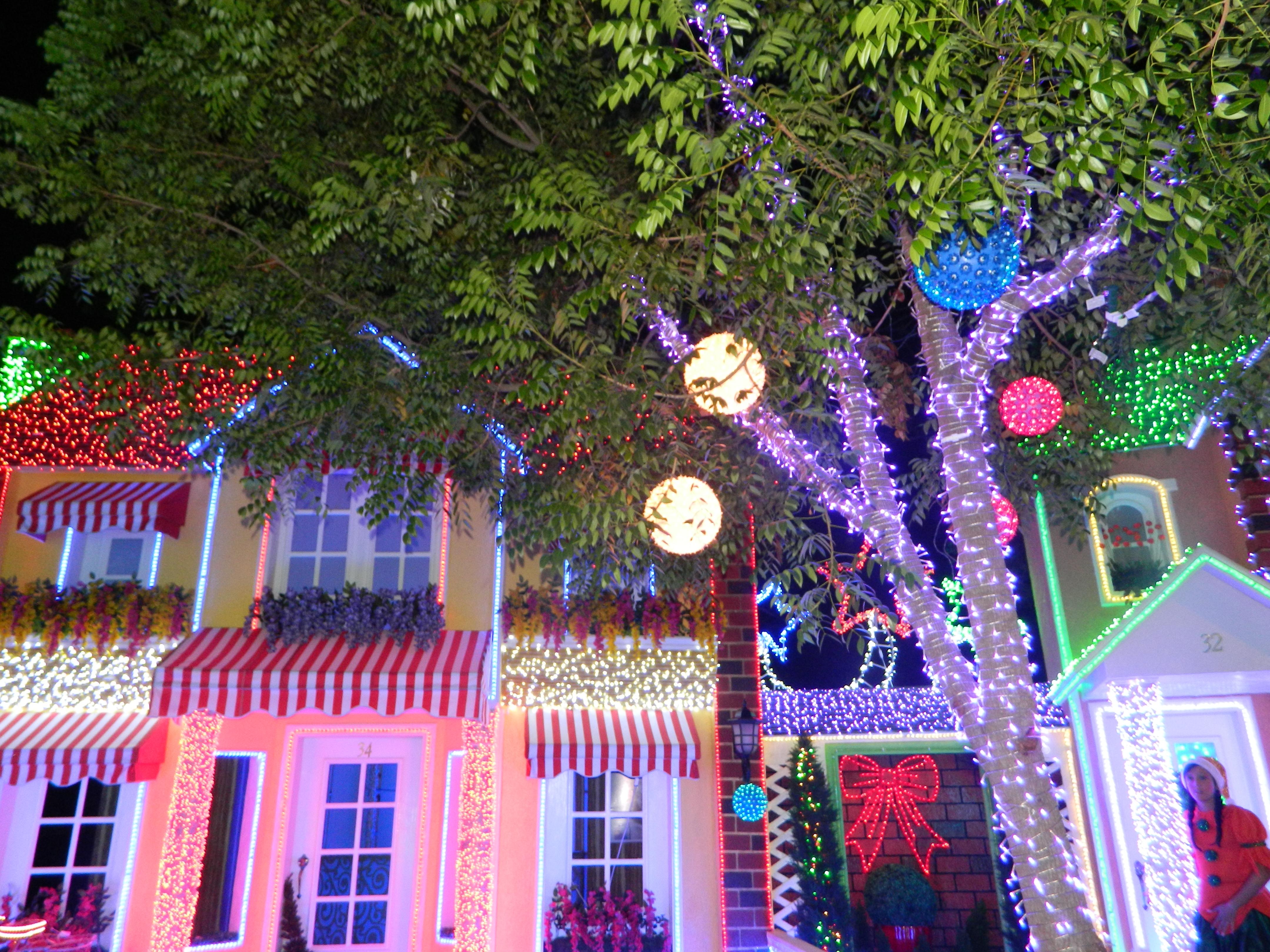Ciudad en navidad decoremos con kiki - Casas decoradas en navidad ...